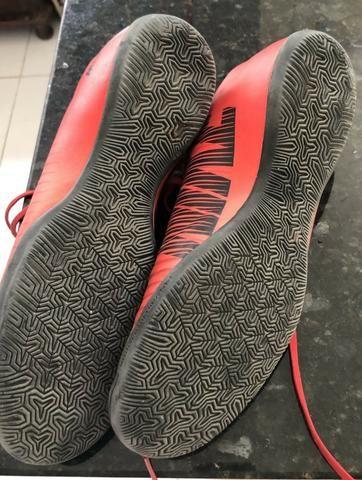Chuteira Society Nike Mercurial Victory Vermelho e Preto - Foto 4
