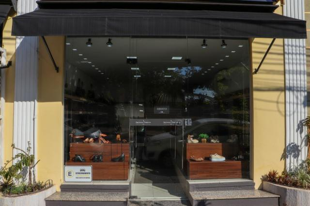 Vendo linda loja de calçado femininos em Cuiabá