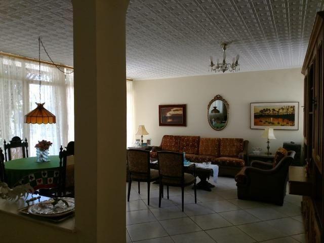 Ótima Casa para comercial. Centro-varias salas e amplo quintal. - Foto 4