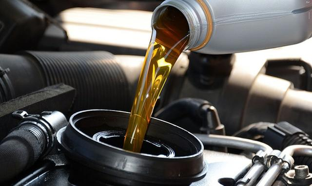 Troca de óleo a partir de $99 - Old Garage