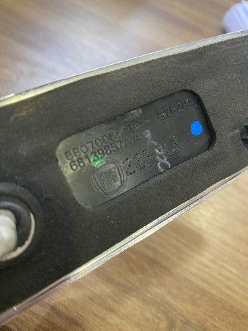 Puxador do porta-malas Fiat 500 2012/13 - Foto 3