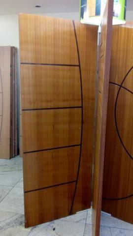 Portas de madeiras / janelas de madeiras/ puxador / fechaduras - Foto 3
