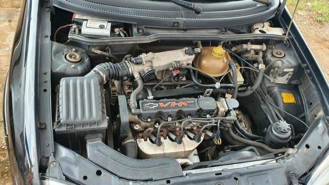 Corsa Classic 2004/2005 1.0 VHC com Direção hidráulica - Foto 5