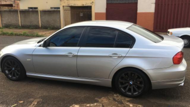 BMW-320i - Foto 2