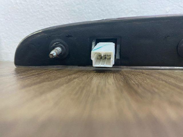 Puxador do porta-malas Fiat 500 2012/13 - Foto 5