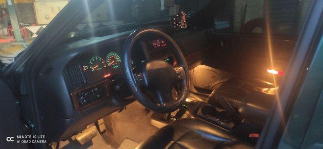 Vendo Carro GCherokee Limited  5.2 4X4 com GNV - Foto 12