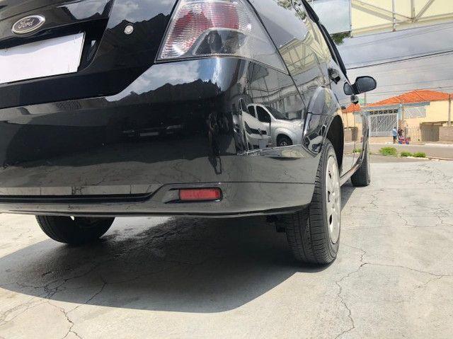 Lindo Ford Fiesta Sedan 1.6 Flex Extremamente Novo - Foto 15