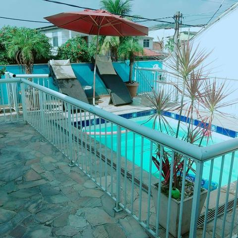 Casa duplex com piscina + apto com 2 quartos