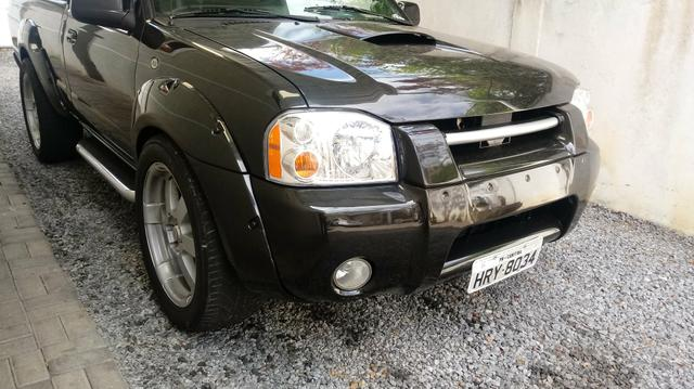 Nissan Frontier. Ano2003, 2004