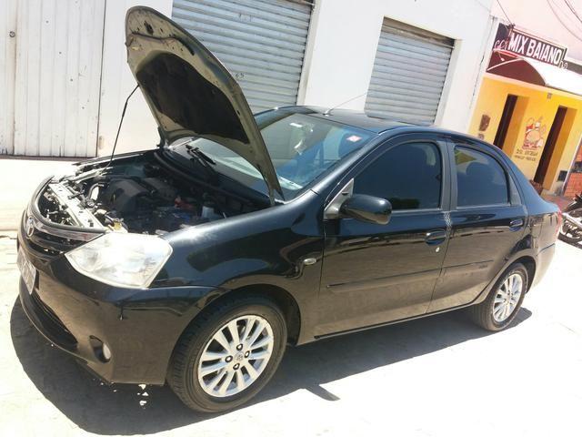 Vendo ou troco Toyota Etios seDan 1.5 2013 - Foto 6