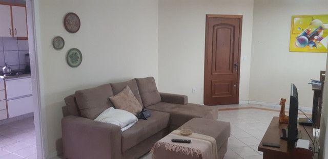 Apartamento vista mar com 3 dormitórios e 2 garagens no centro de Balneário Camboriú - Foto 17