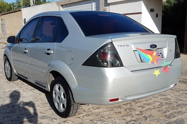 Fiesta Sedan Tecno 1.6 completo (exclusivo) vendo/troco - Foto 6