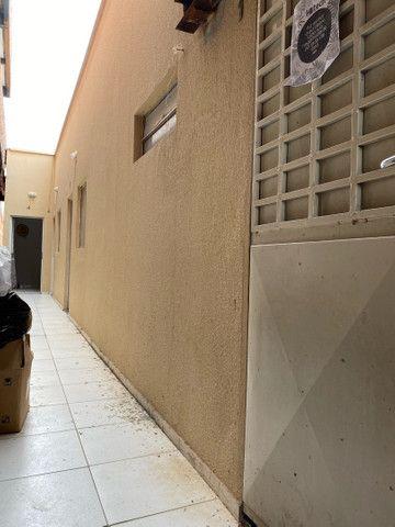 Alugo kitnet  Bairro: Lourival parente