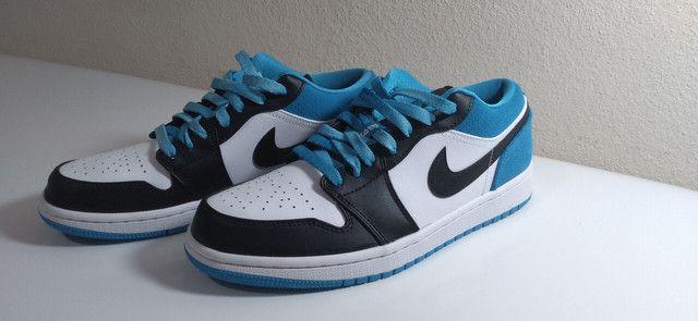 """Tênis Nike Air Jordan 1 low """"laser blue"""""""