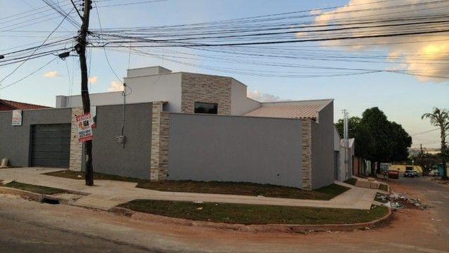 Casa de Esquina nova 03 quartos na Vila Pedroso