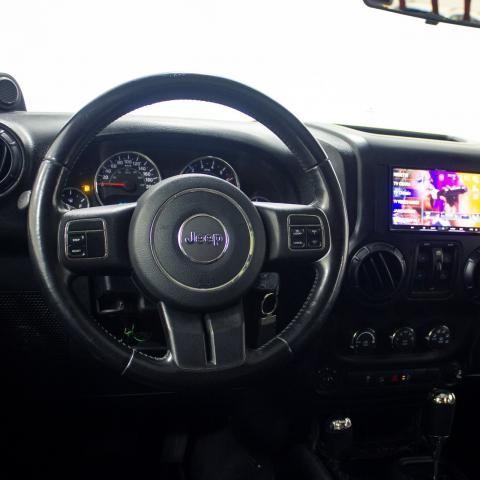 JEEP WRANGLER 2011/2011 3.8 UNLIMITED SAHARA 4X4 V6 12V GASOLINA 4P AUTOMÁTICO - Foto 6