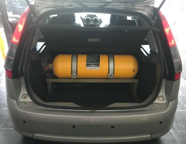 Ford Fiesta Com Gnv Muito Novo - Foto 7
