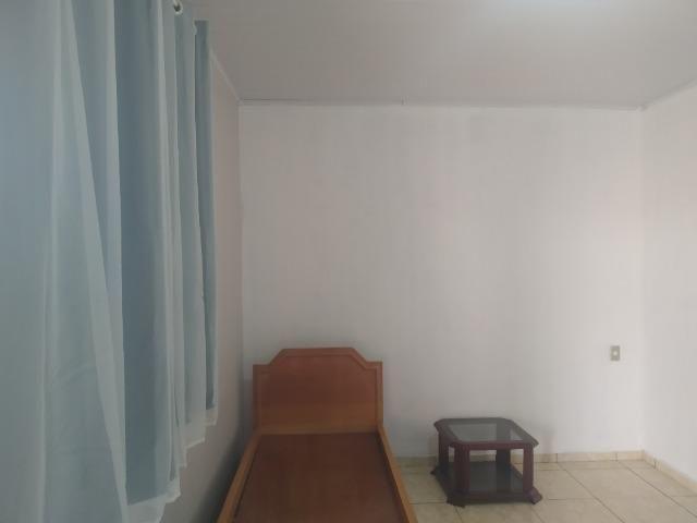 Alugo quarto para estudantes