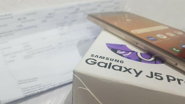Celular Samsung J5 Pro 32GB Muito Novinho Com Garantia - Foto 3
