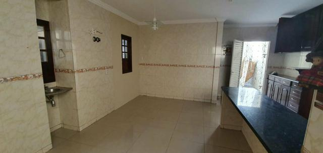 Alugo Excelente casa com piscina no Cohatrac - Foto 6