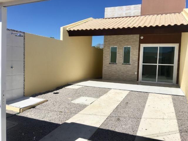 Linda casa com documentação gratis : 2 quartos , 2 banheiros , 2 vagas de garagem