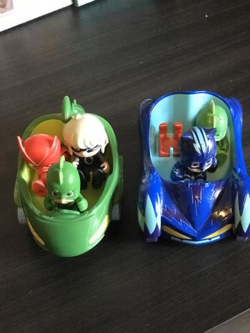 Pj Masks! 2 carros e 4 bonecos - Foto 4