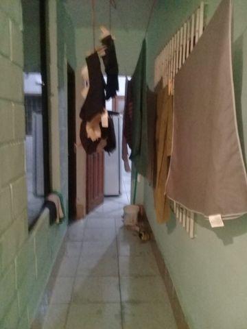 Alugo quarto 650para moças - Foto 12