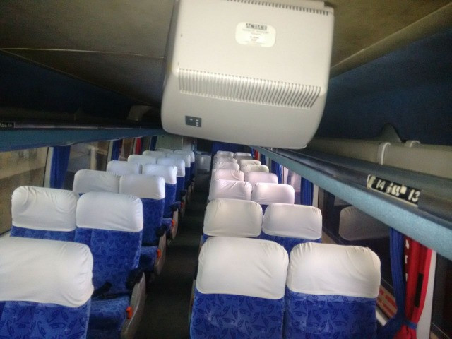 Onibus volvo LD busscar 2001/2002 j bu 400r 396 cv 44 lugares 2002 - Foto 10