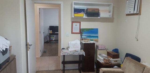 Apartamento vista mar com 3 dormitórios e 2 garagens no centro de Balneário Camboriú - Foto 10