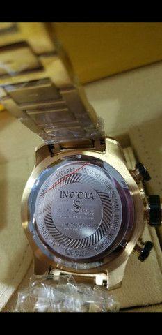 Relógio Invicta Speedway Tritnite Fundo Preto a prova d'água - Foto 5