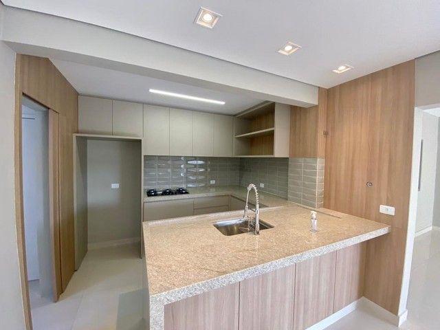 Apartamento impecável reformado com 3 dormitórios e 125m2 privativos, Rua Goiás próximo a  - Foto 8