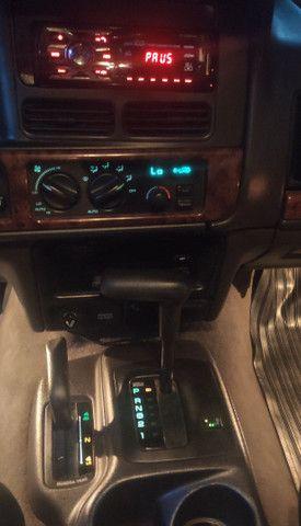 Vendo Carro GCherokee Limited  5.2 4X4 com GNV - Foto 16