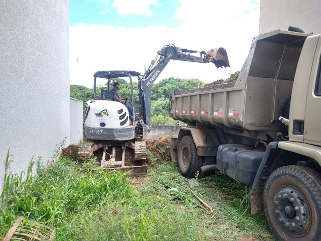 Locações Mini Escavadeira - Foto 4
