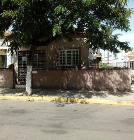 Casa Na Praça da bandeira Limoeiro