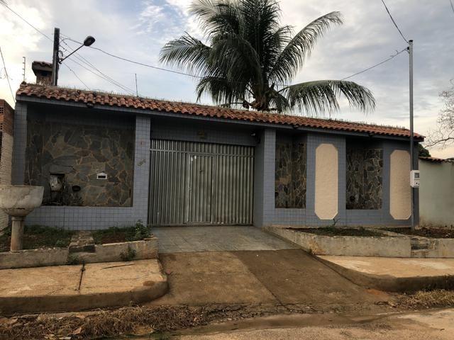 Alugo Casa Rua Castelo Branco, Bairro Nova Esperança