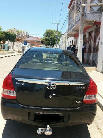 Vendo ou troco Toyota Etios seDan 1.5 2013 - Foto 4