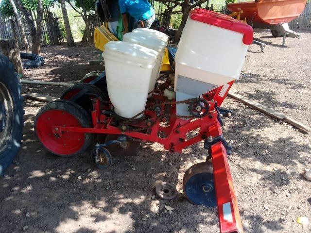 Vende-se madal raspadeira baldan uma plantadeira jumil 3 linhas e uma siladeira - Foto 5