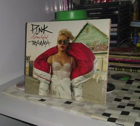 PINK - Beautiful Tranma / LACRADO