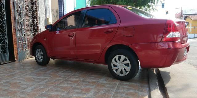 Vendo Toyota Etios sedã ótimo estado de conservação - Foto 7