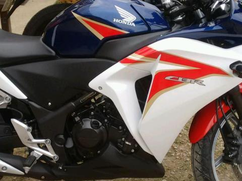 Honda CBR 250 - Foto 2