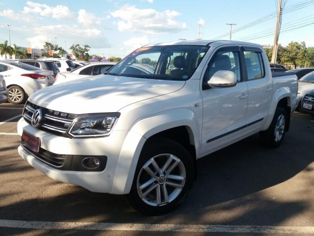 VOLKSWAGEN  AMAROK 2.0 HIGHLINE 4X4 CD 2015