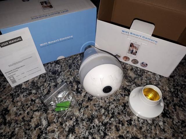 Lâmpada LED com Camera 360º WI-FI App próprio (IPC360) para