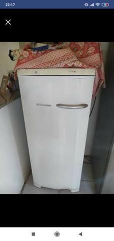 Freezer vertical Electrolux - Foto 2