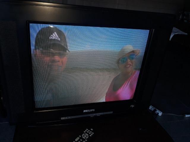"Televisor Phillips tubo 21"" tela plana Stereo com controle - Foto 4"