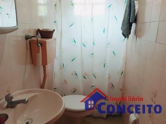 C98 - Bela residência em ótima localização - Foto 13