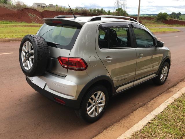 Vendo Volkswagen Crossfox 1.6 2015 Único dono. Aceito trocas de menor valor - Foto 3