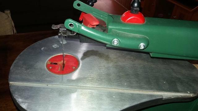 Serra tico tico de mesa AWT JST-85 230V - Foto 3