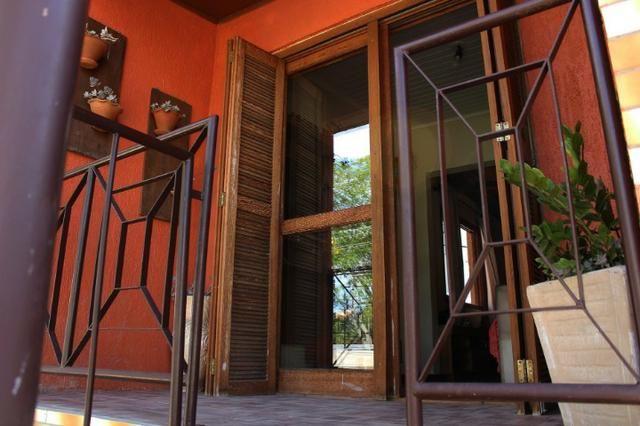 Casa para alugar parte superior 1 dormitório na Pereira Neto com sacada