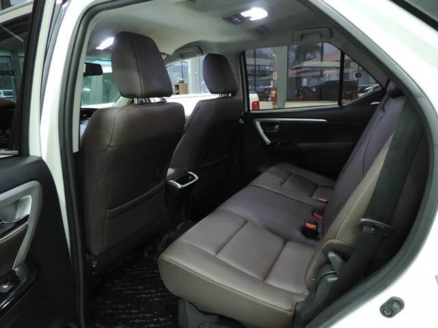 Toyota Hilux SW4 2.8 SRX 4X4 AUT. - Foto 4