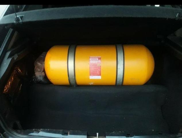 Vendo ou troco Astra hatch 2007 doc ok flex 2.0 gnv - Foto 3